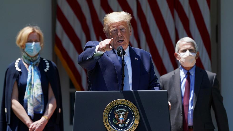 """РТ: """"Све долази са врха"""": Трамп поново осудио Кину, оптужујући је за """"пропагандни напад"""" на САД и ЕУ због коронавируса"""