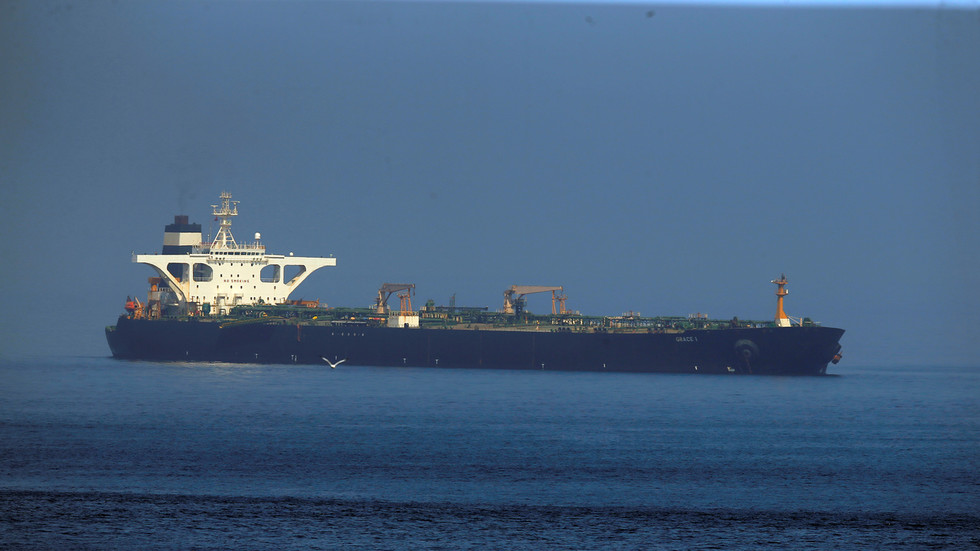 РТ: САД ће бити у проблему ако учине грешку пресретајући танкере за Венецуелу - Рохани