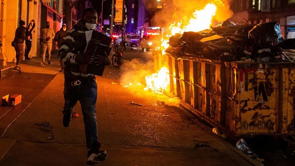 """РТ: """"Разумљиви и више него легитимни"""": Немачка подржава """"мирне"""" америчке протесте"""