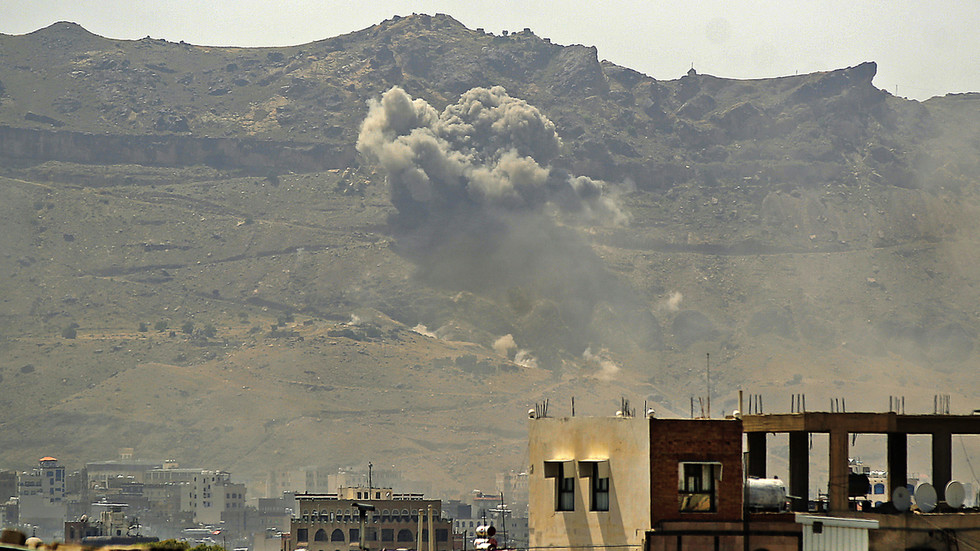 """РТ: Лондон наставља са продајом оружја Саудијској Арабији, наводећи да су """"могући"""" ратни злочини у Јемену """"изоловани инциденти"""""""
