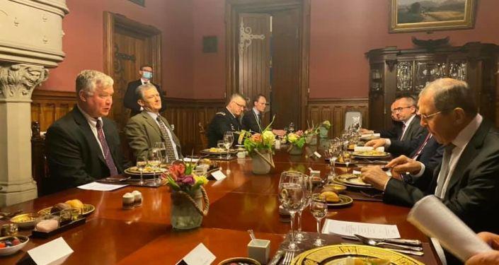 Zamenik državnog sekretara SAD-a i Lavrov razgovarali o situaciji u Belorusiji