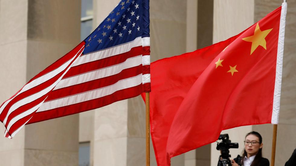 """РТ: Пекинг осудио нова ограничења за кинеске дипломате од стране Вашингтона те обећао """"легитиман одговор"""""""