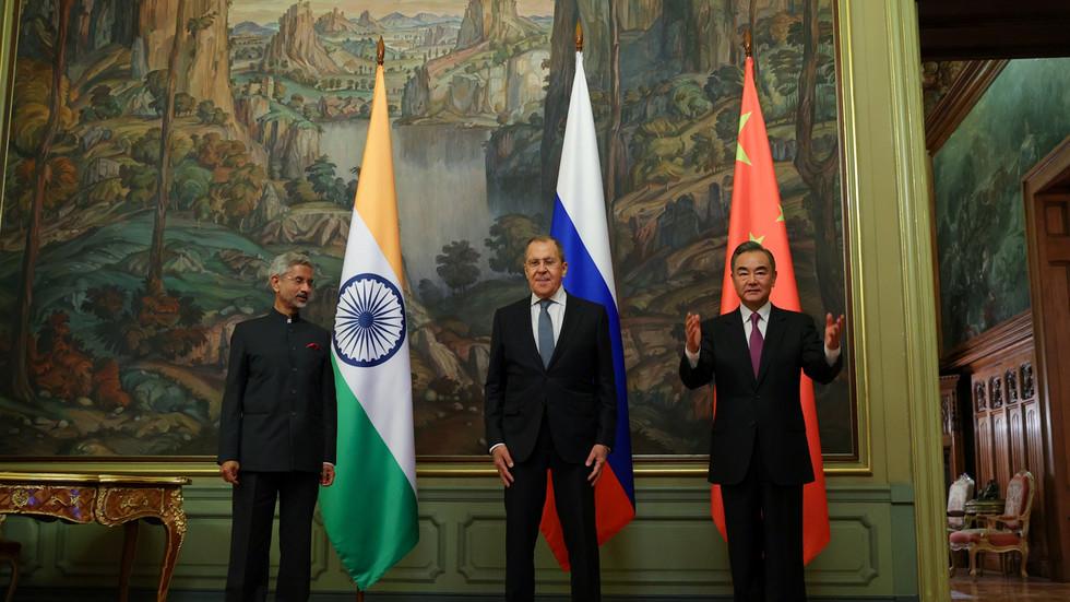 """RT: """"Razlike, a ne sporovi"""": Indija i Kina se složili oko plana deeskalacije, te da granični sukob """"nije u interesu nijedne strane"""""""