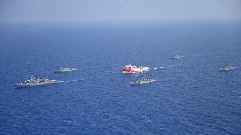 РТ: Енергетски спор с Грчком поново ескалира док се турски брод враћа у спорне воде у источном Медитерану