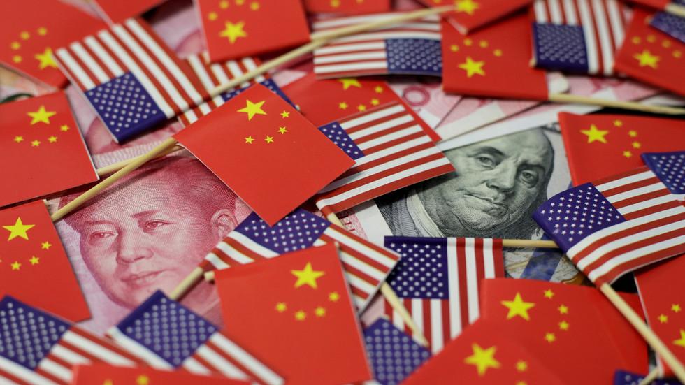 """РТ: Пекинг оптужио САД да """"глуме жртву"""" након извештаја да је Кина запретила затвањем америчких држављана"""