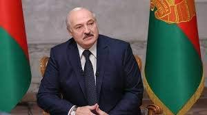 Лукашенко: Полиција и војска неће отићи из Минска док год сам ја председник