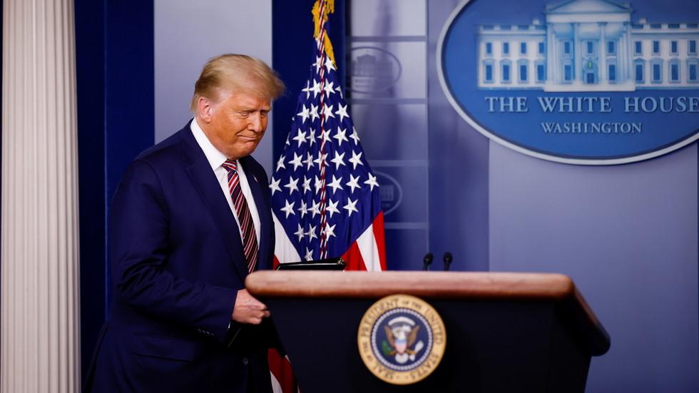 """RT: Tramp kaže da """"ako izbrojite legalne glasove, lako pobeđujem"""", optužujući medije i tehnologiju za mešanje u izbore"""