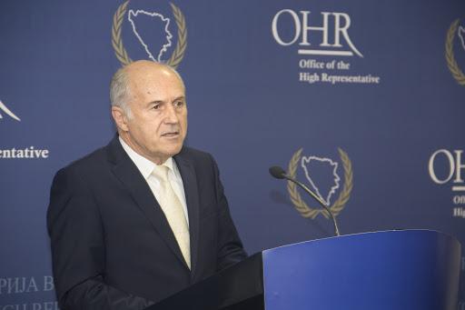 """Високи представник у БиХ саопштио да је """"спреман"""" да наметне """"Закон о забрани негирања геноцида"""""""