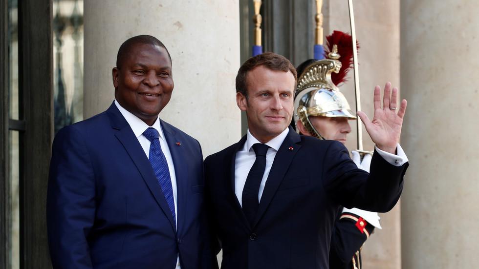 РТ: Француска послала борбене авионе да прелете у Централноафричку Републику како би подржала председника уочи гласања у бившој колонији
