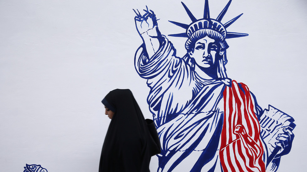 """РТ: """"Ако иједан Американац буде убијен, држаћу Иран одговорним"""": Трампов """"пријатељски здравствени савет"""" Ирану након саопштења о затварању амбасаде у Ираку"""