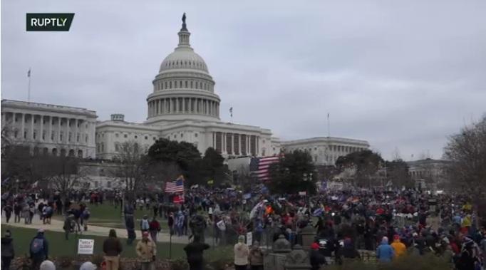 Pristalice Donalda Trampa upale u zgradu Kongresa