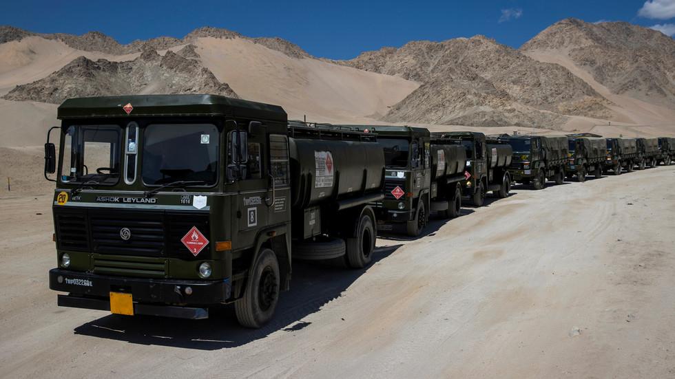 """РТ: Командант индијске војске назвао Кину и Пакистан """"потенцијалном претњом"""", али се нада """"мирном решењу"""" граничног спора са Пекингом"""