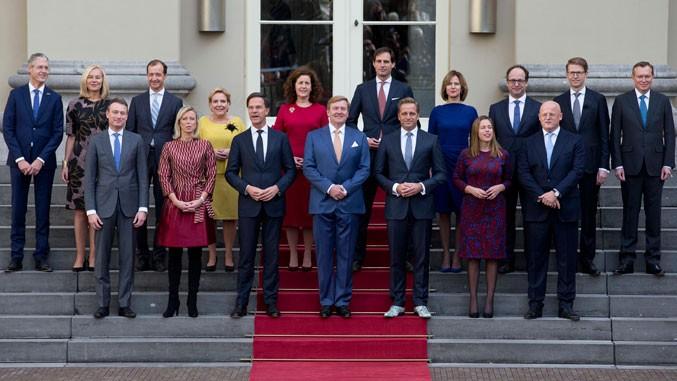 Vlada Holandije podnela kolektivnu ostavku