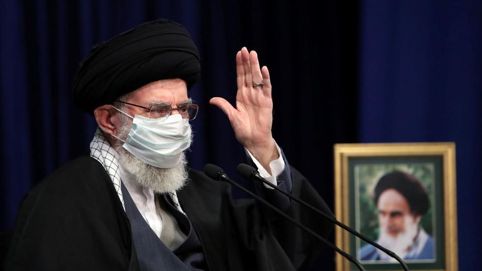 РТ: РТ: Иран ће обогатити уранијум и до 60% ако то жели, упозорава Хамнеј због незадовољства договора са ИАЕА