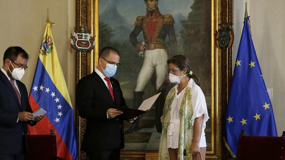 РТ: 72 сата за одлазак: Изасланику ЕУ у Венецуели саопштено да спакује кофере након што је Брисел увео нове санкције