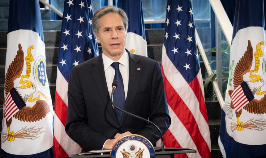 Блинкен: Вашингтон више неће рушити ауторитарне режиме и наметати демократију силом