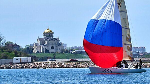Кијев: Позивамо окупаторску власт да заузме неполитизовани став по питању приступа Криму