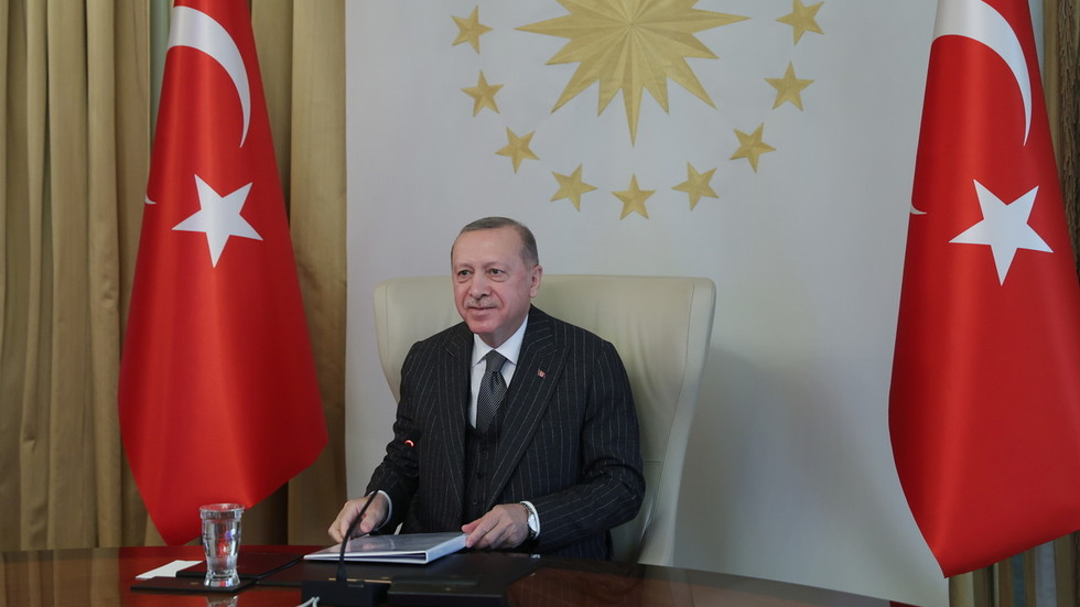 """РТ: Ердоган осудио Бајдена јер је Путина назвао """"убицом"""", наводећи да су његове изјаве """"заиста неприхватљиве"""""""