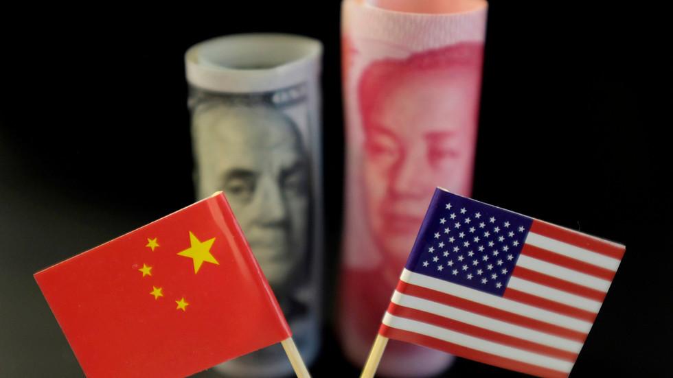 """РТ: У америчкој демократији забележено 500.000 смртних случајева: Кина одговорила на Бајденово саошптење да Си Ђинпинг """"нема демократску кост у телу"""""""