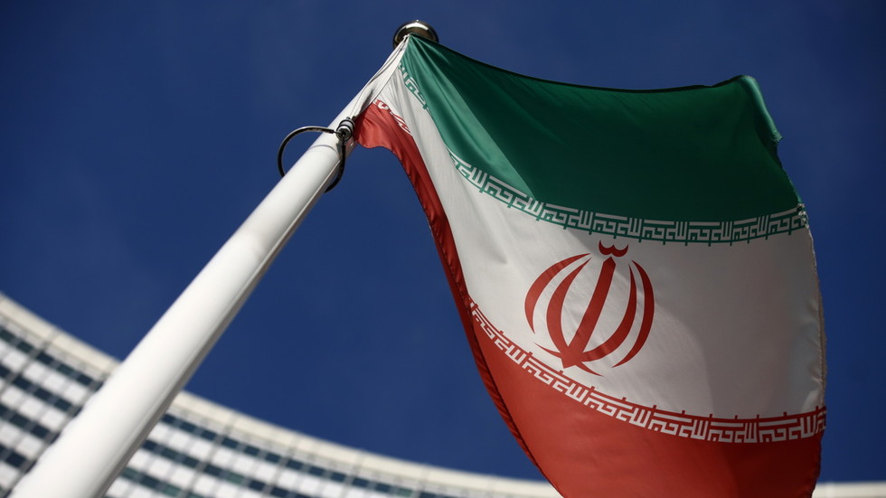 РТ: Иран саопштио да неће смањивати свој нуклеарни програм док Вашингтон не укине једностране санкције