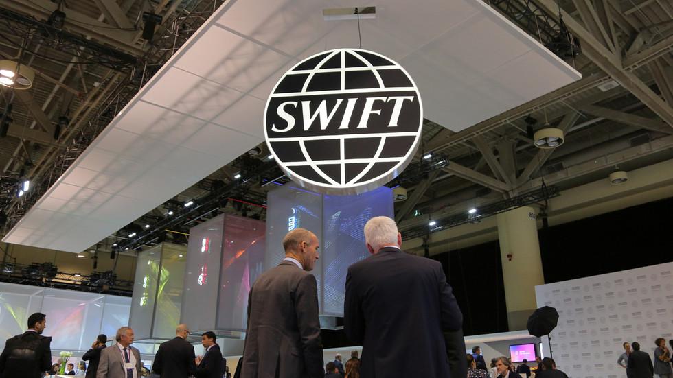РТ: Чин рата? Украјина тражи од ЕУ да размотри искључење Русије из система SWIFT
