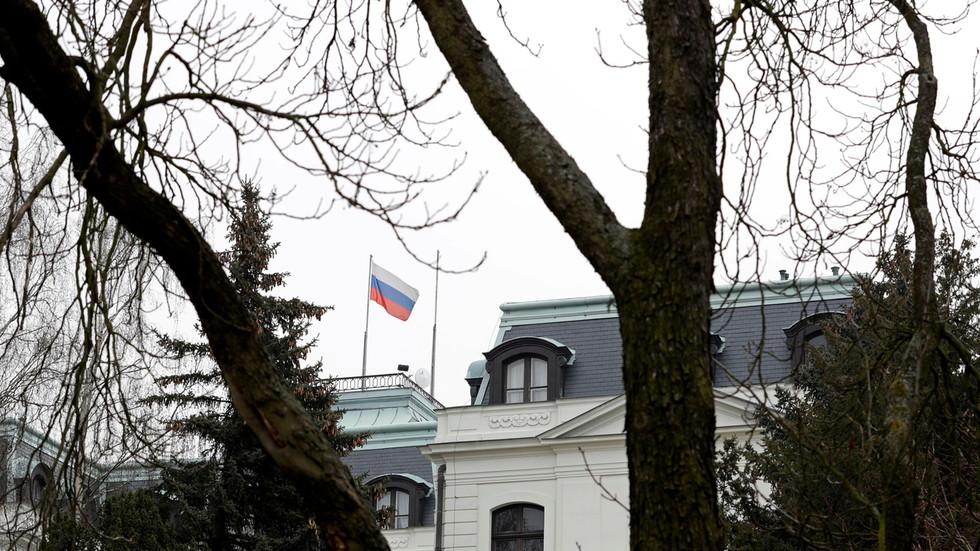 РТ: За сада нема доказа о умешаности руске обавештајне службе у експлозију складишта муниције, каже чешки председник усред шпијунског скандала са Москвом
