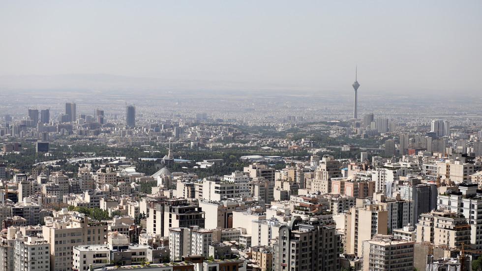 RT: Žena koja je pala sa kule u Teheranu bila prvi sekretar švajcarske ambasade