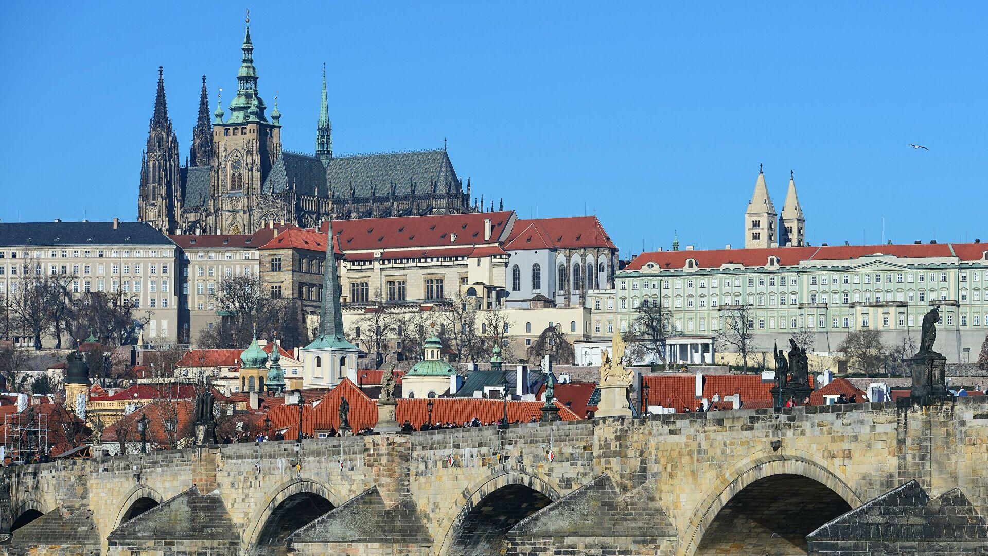 Premijer Češke pozvao na smirivanje tenzija između Moskve i Praga