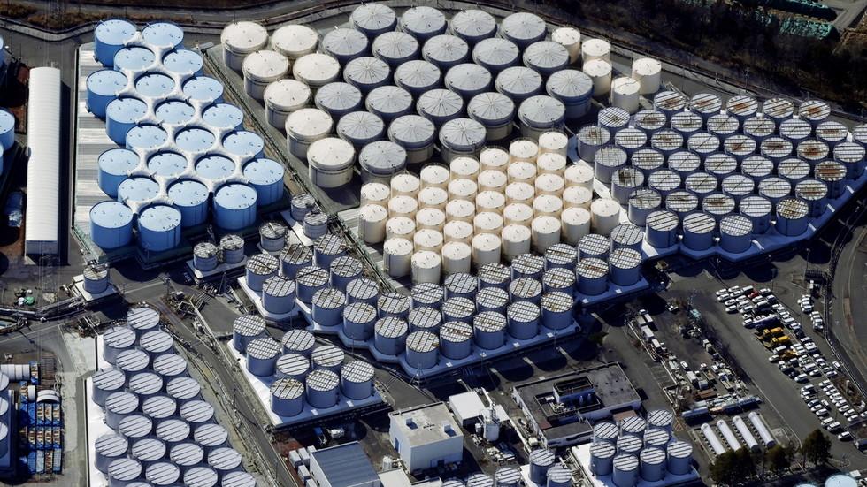 """РТ: """"Не учите од нојева"""": Пекинг саопштио Токију да не зарива главу у песак по питању отпадних вода Фукушиме"""