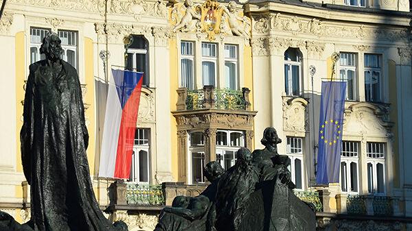 """Премијер Чешке позвао чланице ЕУ """"протерају бар по једног руског дипломату"""""""