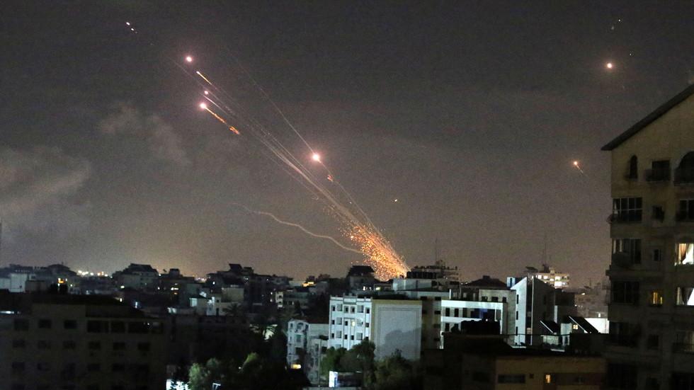 "RT: ""Izrael ima pravo da se brani"", saopštio je Bajden Netaniajhuu, dok je Blinken pozvao Abasa da osudi raketne napade Palestinaca"