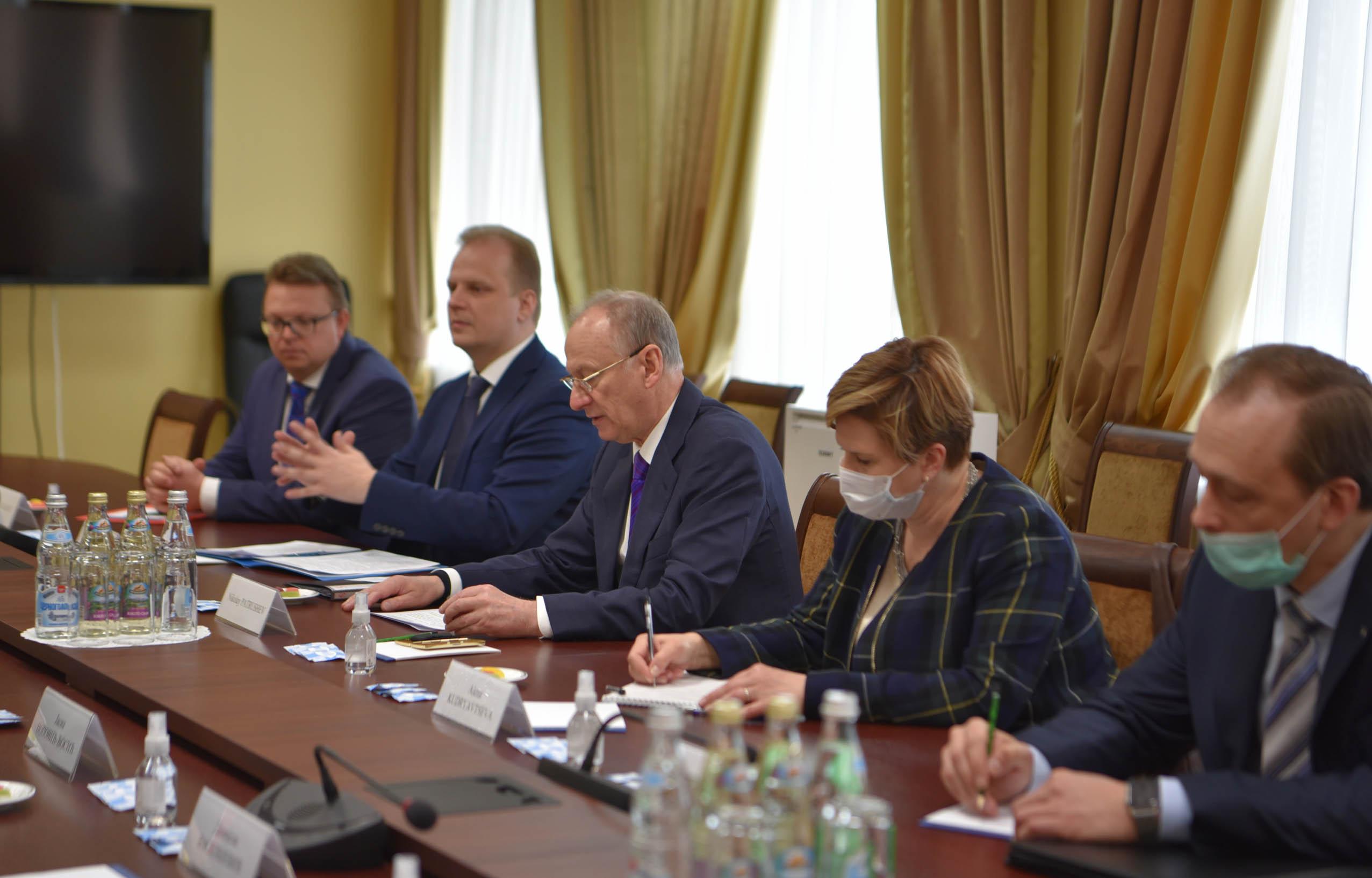 Вулин у Москви: Србија се неће придружити антируској хистерији и неће увести санкције Русији