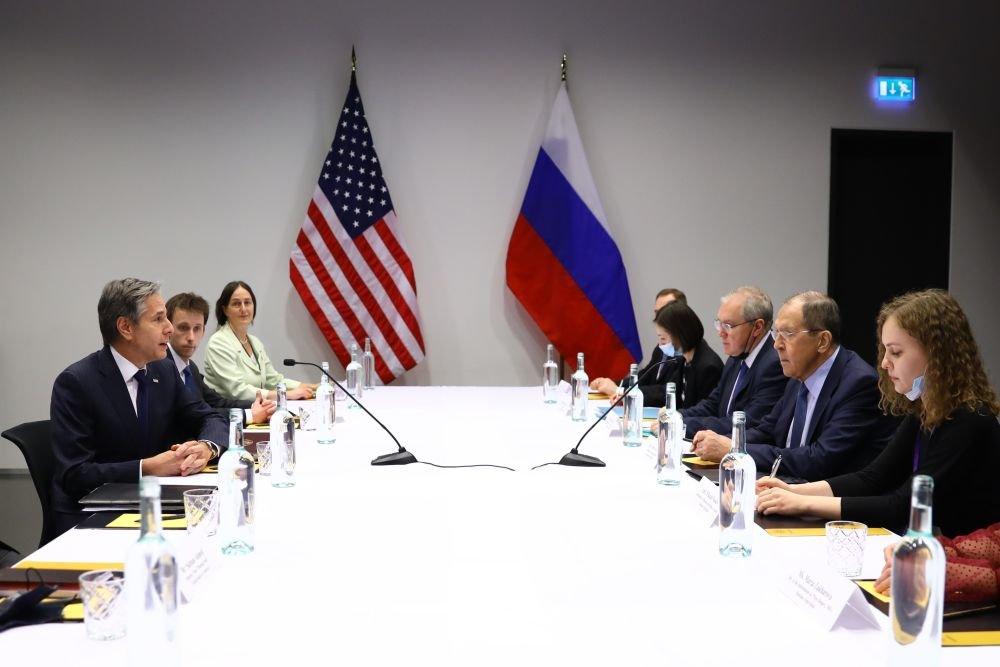 Блинкен: На Русији је да одлучи да ли жели предвидљивије и стабилније односе