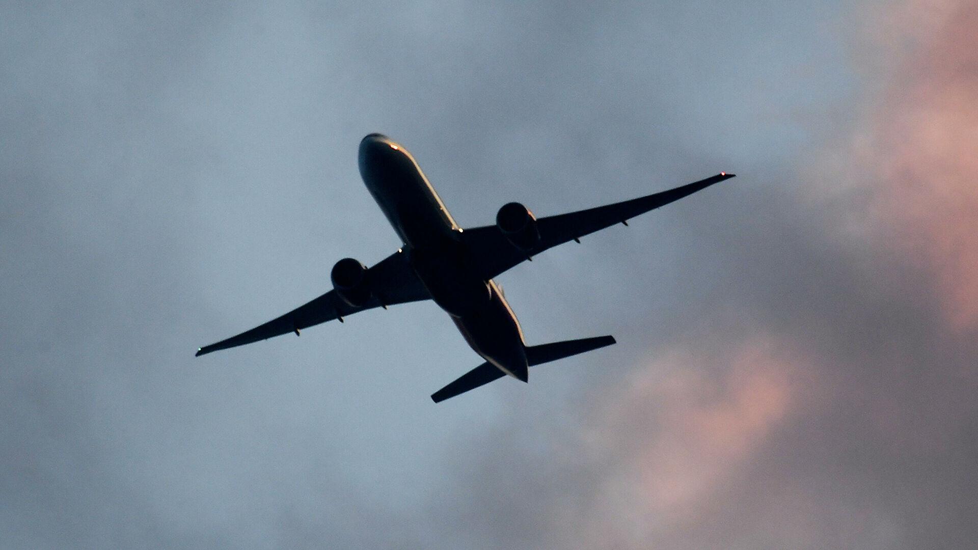 Украјина обуставља летове са Белорусијом