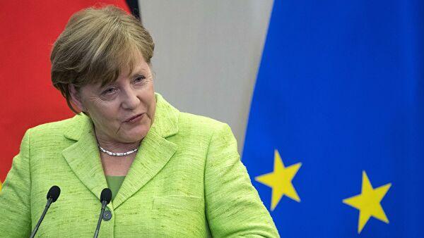 Меркелова: Морамо да констатујемо да смо сви изложени хибридним нападима