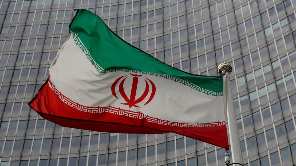 """РТ: Техеран од Вашингтона тражи """"гаранције"""" за нуклеарне преговоре због """"ароганције"""" бившег председника Трампа"""