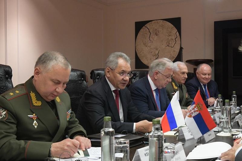 Шојгу: Опредељени смо за наставак пружања помоћи у јачању капацитета Војске Србије