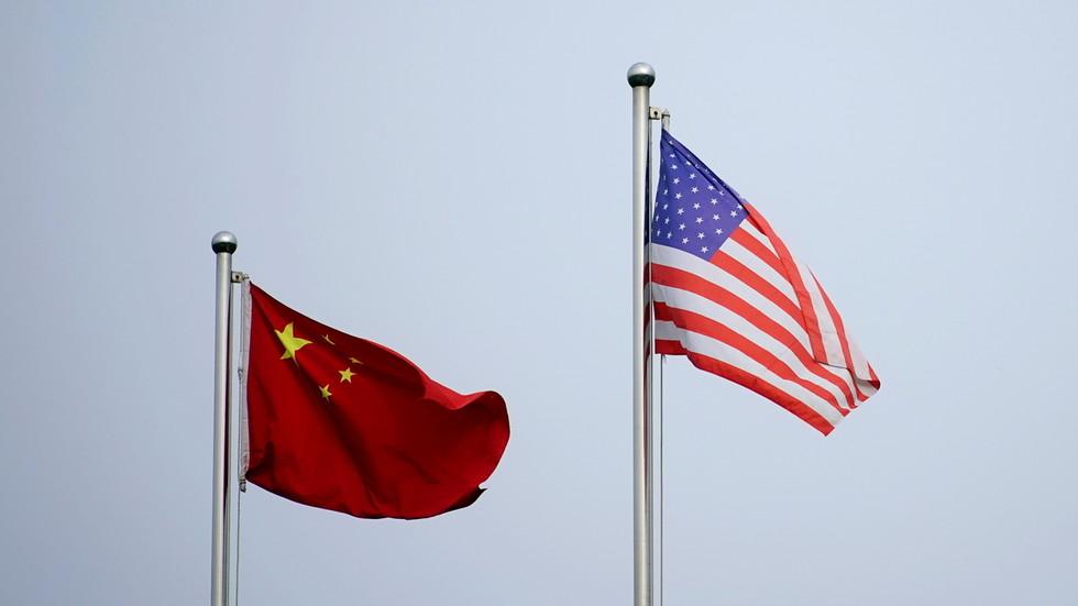 """РТ: Пекинг захтева укидање санкција, оптужујући Вашингтон за стварање """"имагинарног непријатеља"""""""
