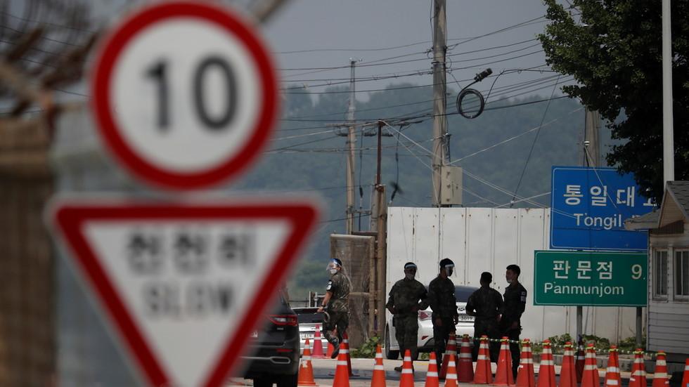 """РТ: """"Велики корак ка враћању поверења"""": Северна и Јужна Кореја поново отвориле линију за комуникацију"""
