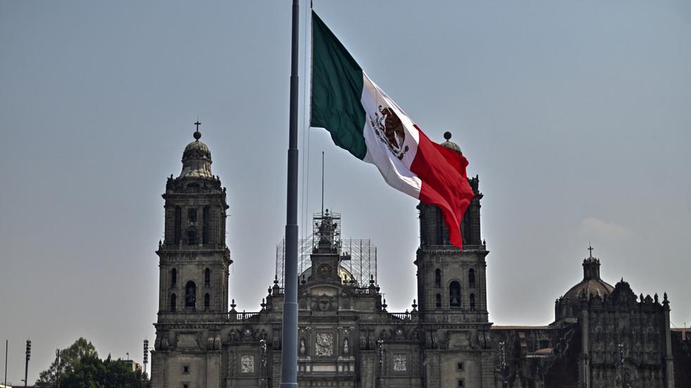 """РТ: """"Независни"""" Мексико има пуно право да пошаље помоћ Куби упркос """"нехуманим"""" америчким санкцијама, каже мексички председник"""