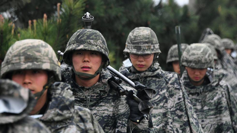 """РТ: Војне вежбе са САД не смеју """"повећати тензије"""", наводи Сеул након упозорења из Пјонгјанга"""