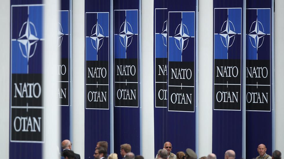 """РТ: НАТО протерује осам руских дипломата због тврдњи о наводним """"злоћудним руским активностима"""" у седишту војног блока у Бриселу"""