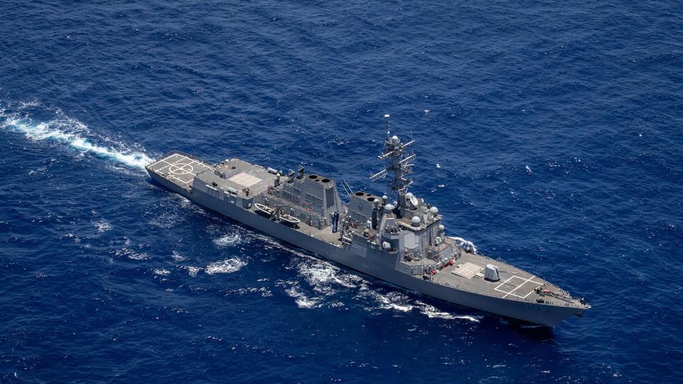 """RT: Kina navodi da su se """"SAD i Kanada udružile da izazovu nevolje"""" slanjem ratnih brodova kroz Tajvanski moreuz"""