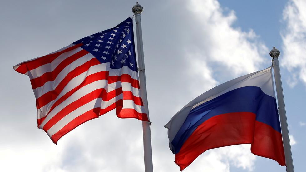 """РТ: САД стављају Русе на листу """"бескућних нација"""", преусмеравајући тражиоце имигрантских виза у Пољску"""