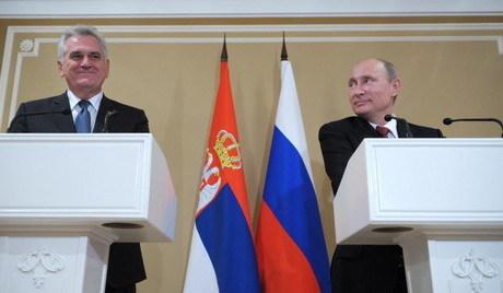 Tomislav Nikolić nagradio Vladimira Putina Ordenom republike Srbije