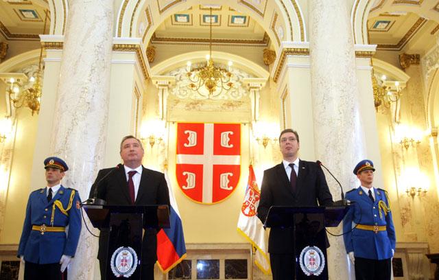 Рогозин: свако прво добро да размисли пре него што буде примењивао оружје против Србије