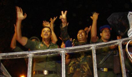 Мурси пребачен у министарство одбране Египта