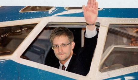 Моралес спреман да одобри политички азил Сноудену