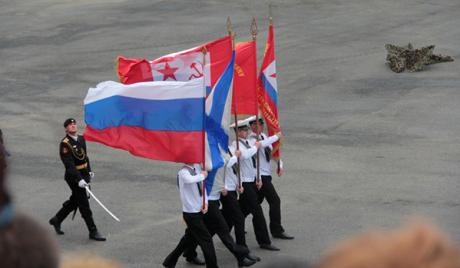 Путин и Јанукович на паради ратне морнарице у Севастопољу
