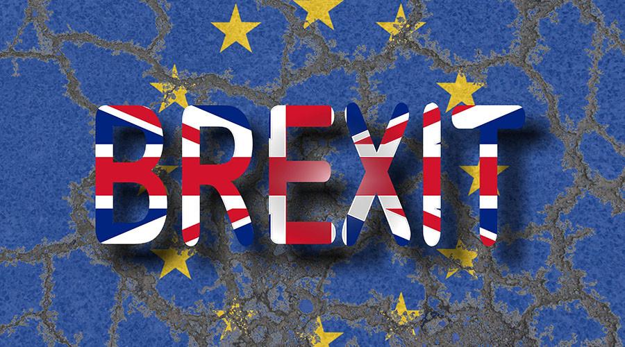 """""""Не можемо игнорисати народ"""": Парламент Британије подржао излазакиз ЕУ"""